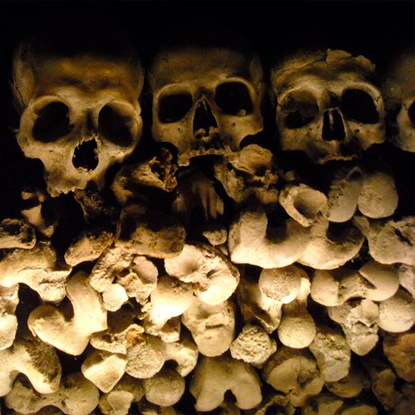 8 dic – Il Rione Sanità e il Cimitero delle Fontanelle