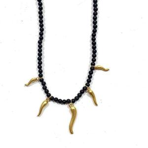 Girocollo perline nere e corni